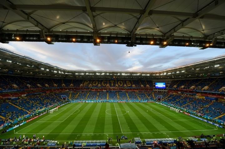 Putin se opone a retirar el límite a los futbolistas extranjeros en Rusia. AFP