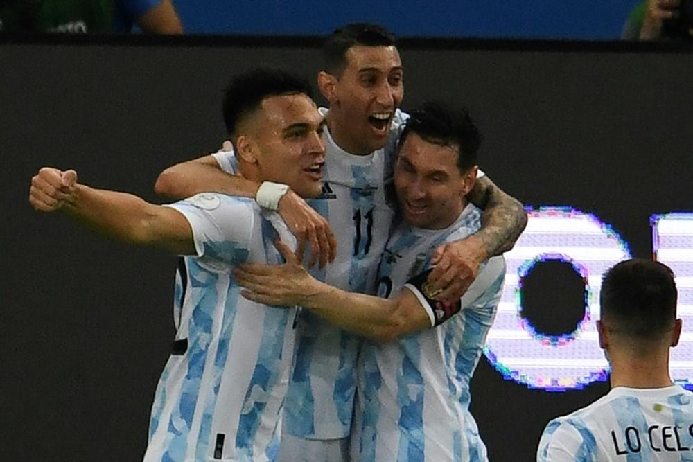 Le formazioni ufficiali di Brasile-Argentina. AFP