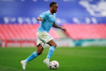 Sterling aparece como uma opção para o Barcelona. AFP