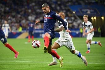 Theo Hernandez aimerait bien jouer avec son frère en sélection. AFP