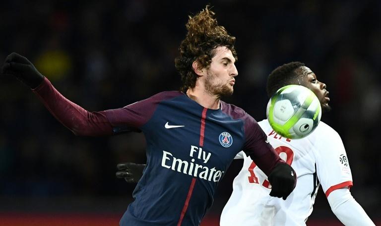 Pin Le milieu de terrain parisien Adrien Rabiot s'est blessé contre Lille. AFPWhatsappTwitterFacebookCommentaires 0