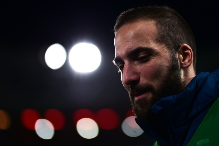 Higuain crucifie Naples et relance la Juve pour le titre — Serie A