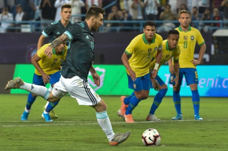 Argentina ganó a Brasil con gol de Leo Messi
