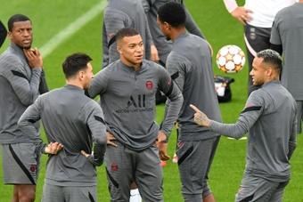 Owen donne son point de vue sur le trio d'attaquants du PSG. AFP