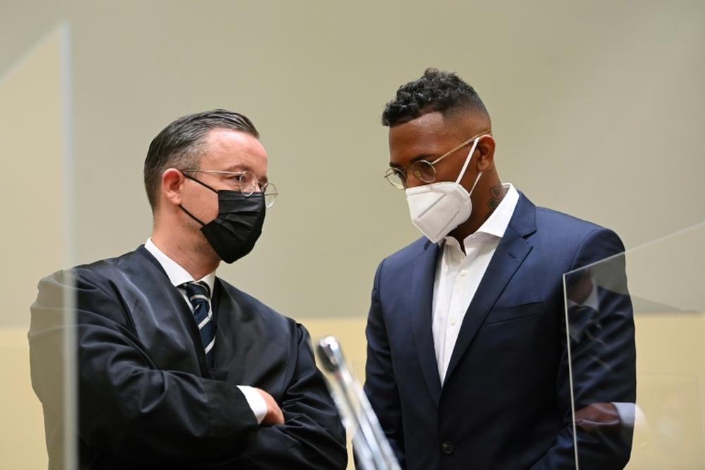 Multa milionária para Boateng por violência doméstica.AFP