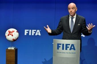A UEFA carrega contra Wenger.AFP