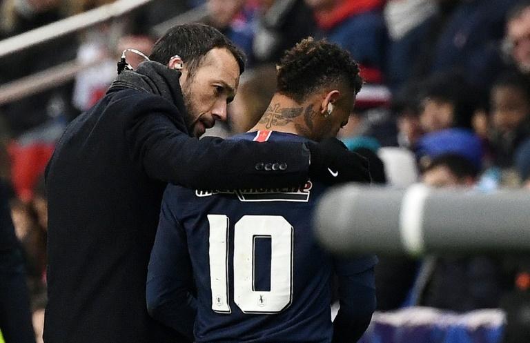 Neymar cayó lesionado ante el Estrasburgo