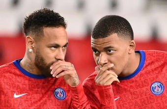 Ander Herrera lowered the tension about Neymar and Mbappe's relationship. AFP
