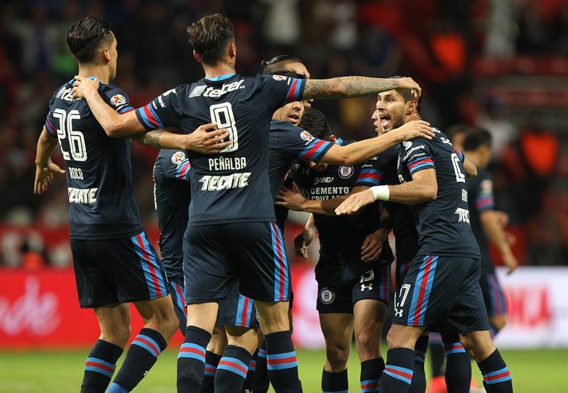 La vida loca del 'Gullit' Peña, nuevo refuerzo del Cruz Azul