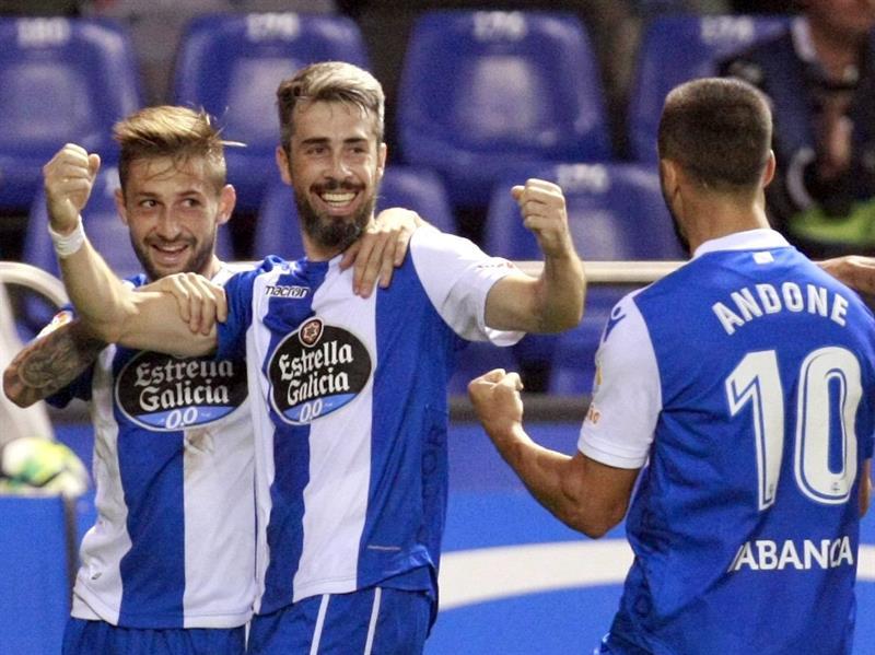 Barcelona goleó a La Coruña y mantiene liderato