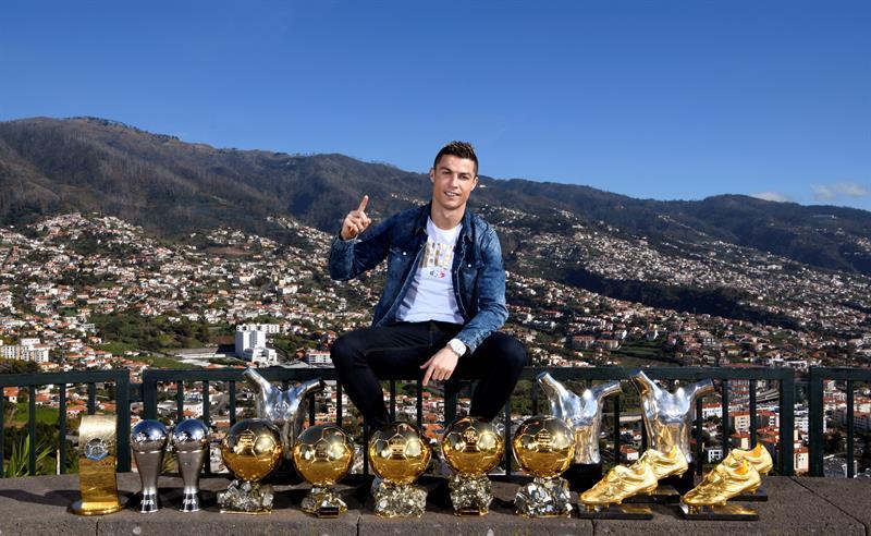 Ronaldo derrière l'absence d'Isco lors du Clasico perdu — Real