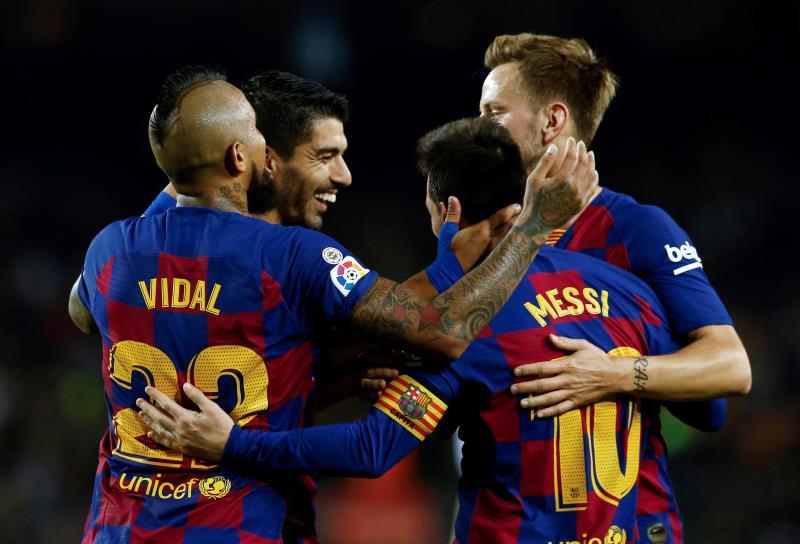 Deux buts sur coup franc de Messi sauvent un Barça poussif — Liga