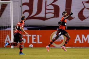 Bruno Henrique ilumina a Flamengo. EFE