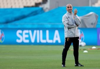 Roberto Martinez dément les rumeurs l'envoyant au Barça. efe