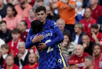 Liverpool bute sur Chelsea. EFE