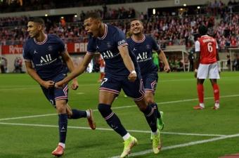Na estreia de Messi, PSG vence com doblete de Mbappé