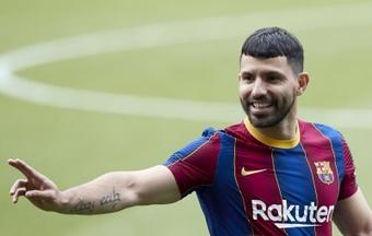 Aguero spiega perché non ha voluto la maglia di Messi. EFE