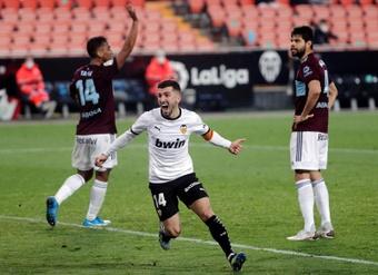 Gayà, desfalque de última hora contra o Real Madrid. AFP