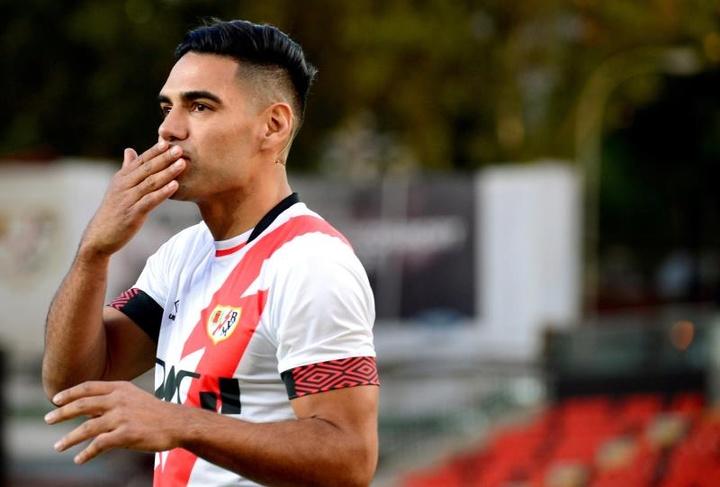 Radamel Falcao pode estrear nessa 5ª rodada da LaLiga. EFE/Víctor Lerena