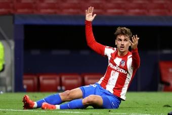 Griezmann não estará nos XI do próximo jogo da Champions League. EFE/Kiko Huesca