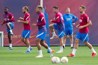 Division at Barca: the squad are with Koeman. EFE