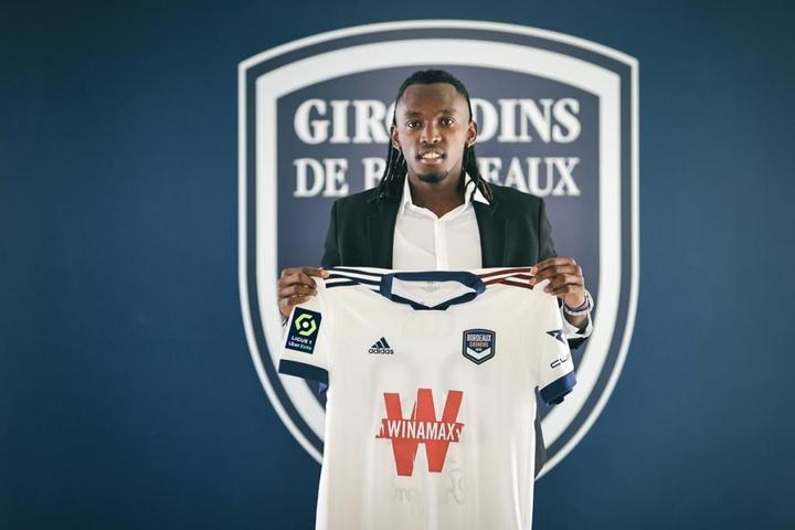 Girondins incorpora Alberth Elis.Girondins