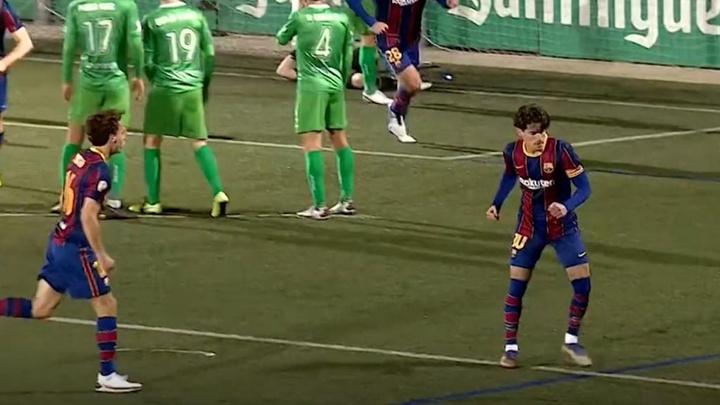 Esquecido no Barça, Collado pensou em se aposentar. Captura/BarçaTV