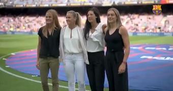 L'hommage du Barça aux stars de l'équipe féminine. afp