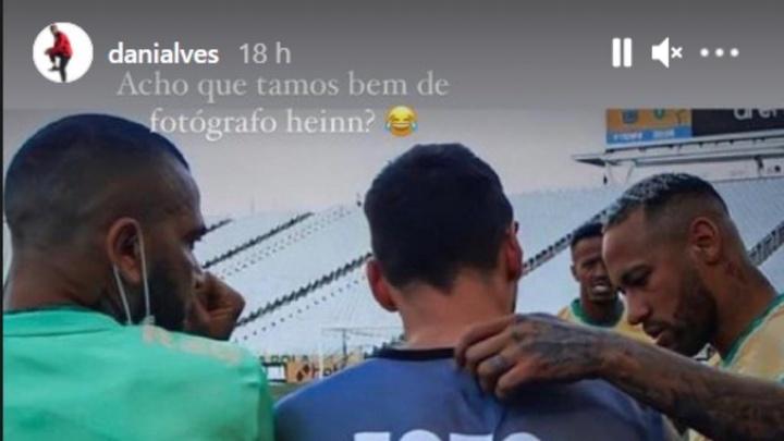 Alves brinca com Messi.Instagram/danialves