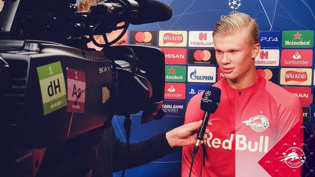 Erling Haland ya enamora dentro del mundo del fútbol. Twitter/RedBullSalzburg