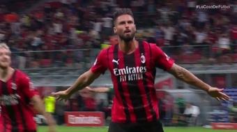 Giroud festeggia la prima rete in Serie A. Vamos