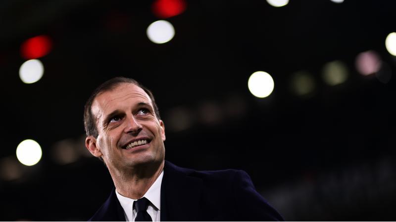Gonzalo Higuain chambre le président de Naples — Juventus
