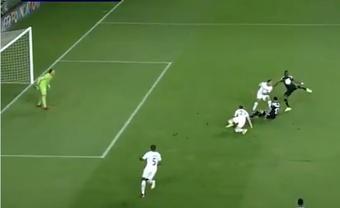 Adama Traoré hizo el 1-0 con una gran volea. Captura/ChampionsLeague