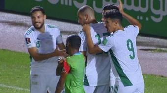 Argelia arrolló a Yibuti apoyada en un estelar Slimani