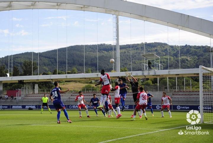 Amorebieta y Almería empataron a un gol. LaLiga