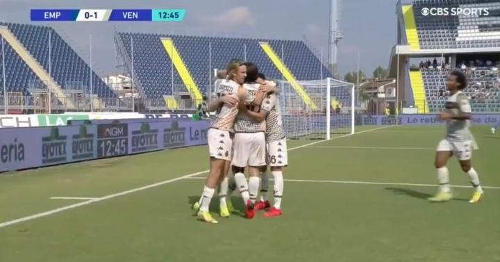 El Venezia ganó por primera vez desde su regreso. Captura/CBSSports