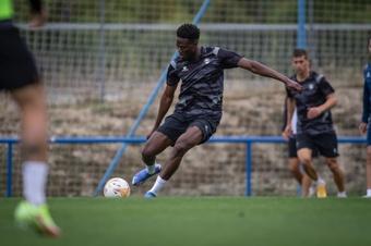 Calleja pierde a Mamadou Loum, convocado por Senegal