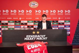 Le PSV prolonge Mario Götze. PSV