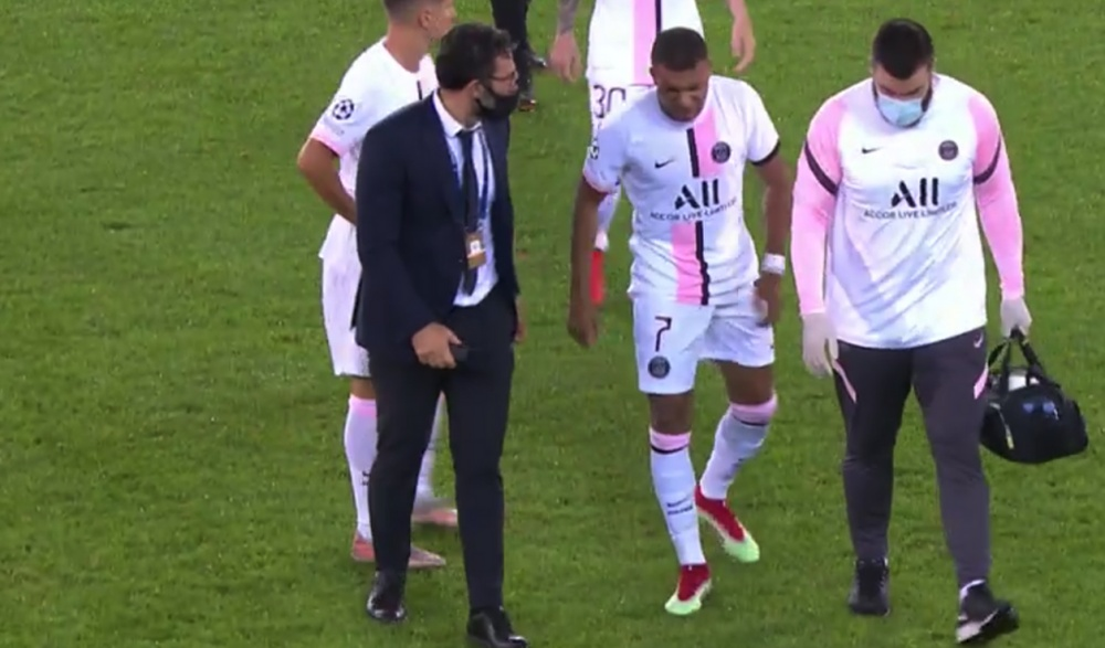 Kylian Mbappé sort sur blessure contre Bruges. Capture/MovistarLigadeCampeones
