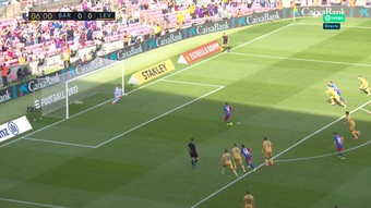 Depay won the spot kick and scored against Levante. Screenshot/MovistarLaLiga