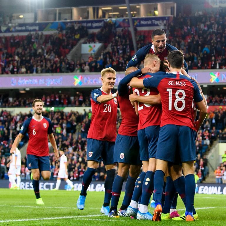 http://t.resfu.com/media/img_news/noruega-celebra-un-gol-en-el-2-0-a-malta-de-clasificacion-para-eurocopa-2020--twitter-nff-landslag.jpg
