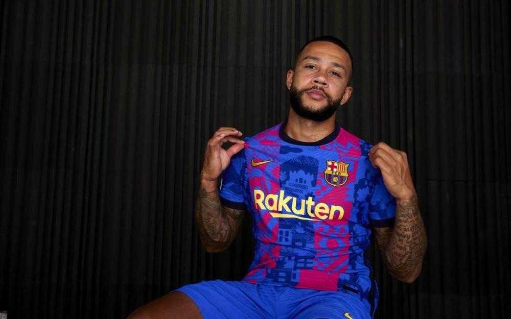 Le Barça présente son nouveau troisième maillot. Twitter/FCBarcelona