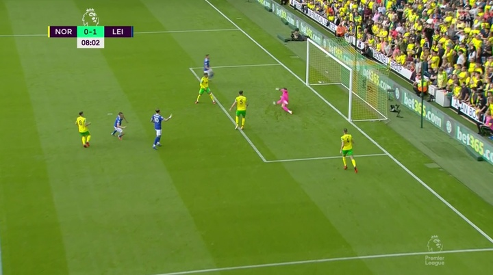 Jamie Vardy gave Leicester the lead after eight minutes. Screenshot/DAZN