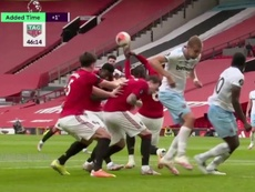 A defesaça de Pogba que valeu o gol do West Ham. Captura/DAZN