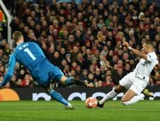De Gea espera que el United opte por venderle. AFP