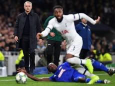Danny Rose não tem a confiança de José Mourinho. AFP