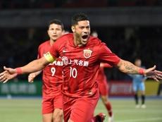 El delantero acabará contrato en diciembre con el Shanghai SIPG. AFP