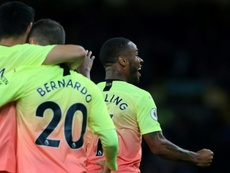 El City piensa revisar el contrato de Sterling. AFP