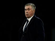 Carlo Ancelotti trató de justificar la derrota ante el Arsenal. AFP/Archivo