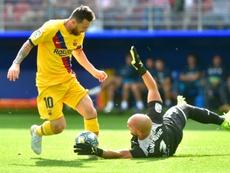 Messi marca novamente contra o Eibar. AFP